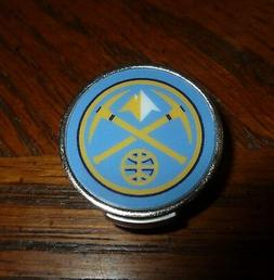 """Denver Nuggets 1"""" Golf Ball Marker with Hat Clip NBA Officia"""